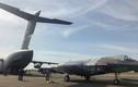 """F-35 lần đầu đi bằng """"ngựa thồ"""" C-17: May mà đút vừa!"""