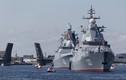 Hoành tráng tàu chiến Nga duyệt binh trên sông ở St. Petersburg