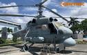 """Sờ tận tay cabin, khoang máy """"sát thủ săn ngầm"""" Ka-25 Hải quân Việt Nam"""