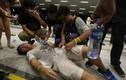 Hồng Kông: Cảnh sát tung ớt bột, đám đông biểu tình tan tác