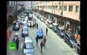 Clip người dân Trung Quốc chạy tán loạn trong động đất