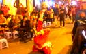 Ông già Noel tâng bóng siêu đỉnh tại Hà Nội
