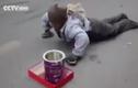 Lật tẩy chiêu trò ăn xin tinh vi trên đường phố
