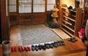Video: Ngỡ ngàng lí do người châu Á thường bỏ giày dép trước khi vào nhà