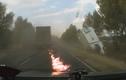 Kinh hoàng container phanh cháy lốp tránh tai nạn