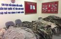 Hàng cấm quân phục Mỹ bị giữ tại sân bay Tân Sơn Nhất