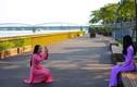 Cận cảnh cầu đi bộ lát gỗ 64 tỷ trên sông Hương