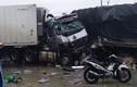 Kinh hoàng xe tải đấu đầu container, nhiều người thương vong