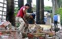 Phá dỡ những bức tường 'chống nạng' ở phường Mai Dịch