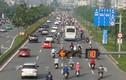 Thả xe máy vào làn ô tô, đường nội đô đẹp nhất Sài Gòn 'vỡ tổ'