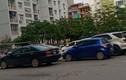 Hà Nội: Bãi trông giữ xe không phép ngang nhiên lấn chiếm lòng đường, vỉa hè