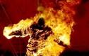 Nam công nhân bị tưới xăng đốt trước cổng khu công nghiệp