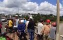 Tìm người đàn ông bỏ xe máy trên cầu nghi nhảy sông Sêrêpôk tự tử