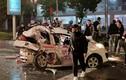 Dân lấy xà beng cạy cửa cứu nạn nhân mắc kẹt trong ô tô tai nạn