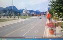 Video: Ô tô tông người đi bộ bay lên không trung