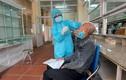 Cận cảnh người Quảng Ninh đi xét nghiệm COVID-19 trả phí tại Bệnh viện