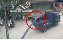Video: Bị cây sắt đâm trúng người, nam thanh niên rơi khỏi xe máy
