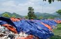 """Bãi rác dài hàng trăm mét bỗng dưng """"mọc"""" giữa đường ở Hòa Bình"""