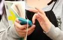 Những tác hại khôn lường khi vừa đi vừa dùng điện thoại