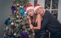 Vợ chồng Thúy Diễm hạnh phúc đón Giáng sinh sớm ở Mỹ