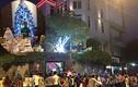 Fan xếp hàng dài chờ thăm vườn Giáng sinh của Mr Đàm
