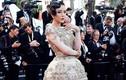 Lý Nhã Kỳ đẹp kiêu sa với đầm quả chuông tại Cannes