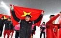 Sao Việt đồng loạt an ủi thủ môn Bùi Tiến Dũng sau chung kết