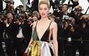 """Vợ cũ của """"cướp biển"""" Johnny Depp hở bạo trên thảm đỏ Cannes"""