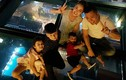 Hot Face sao Việt 24h: Con trai Jennifer Phạm - Quang Dũng về nước nghỉ hè
