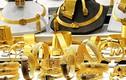 Giá vàng hôm nay 28/12: Đồng USD lao dốc, giá vàng treo đỉnh