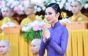 Angela Phương Trinh diện áo dài xuất hiện ở chùa đẹp tuyệt trần