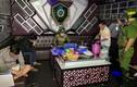 Khách và nhân viên chơi ma túy trong quán karaoke