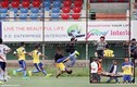 Cầu thủ bỏ mạng sau màn nhảy santo ăn mừng bàn thắng