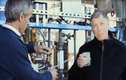 Tỷ phú Bill Gates uống nước… làm từ chất thải con người