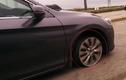 Choáng với tài xế lái xe trên cao tốc không cần lốp