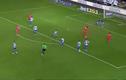 Những pha dứt điểm chân gỗ khó hiểu của Luis Suarez