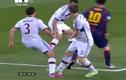 """Messi biến ba hậu vệ của Bayern Munich thành những """"gã hề"""""""