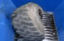 Cận cảnh chiếc máy nghiền rác khổng lồ đáng sợ