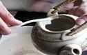 Mẹo vặt làm sạch ấm trà sáng bóng như mới
