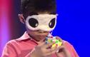 Cậu bé 10 tuổi có khả năng xoay rubik bằng cảm giác