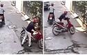 Trộm phá khóa lấy xe máy trong nháy mắt