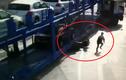 Hai cha con thoát chết kỳ diệu dưới gầm xe đầu kéo