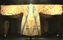 Chiêm ngưỡng áo long bào của vua Bảo Đại được phục chế tiền tỷ