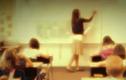 Ba học sinh lớp 1 đầu độc bạn học bằng gói chống ẩm