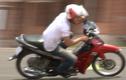 Những kĩ năng lái xe máy có thể bạn chưa biết