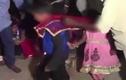 Cô dâu 5 tuổi khóc thảm thiết trong lễ cưới chú rể 11 tuổi