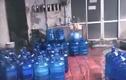 Sản xuất nước đóng chai cạnh kênh mương siêu bẩn ở Hà Nội