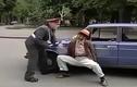 Chết cười với anh tài xế bị xử phạt giao thông