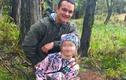 Ông bố gây phẫn nộ vì để con gái 8 tuổi ăn sống tim nai