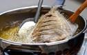 Mẹo rán cá không dính chảo, không bắn mỡ cực dễ